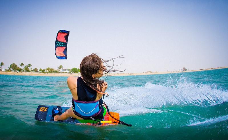 Kitesurfing in 360 Sudr