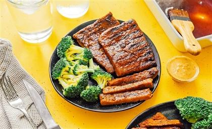'Cairo Healthy Food' Makes Vegan Chicken, Steak & Sausage